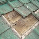 瓦の裏・防水シートの劣化